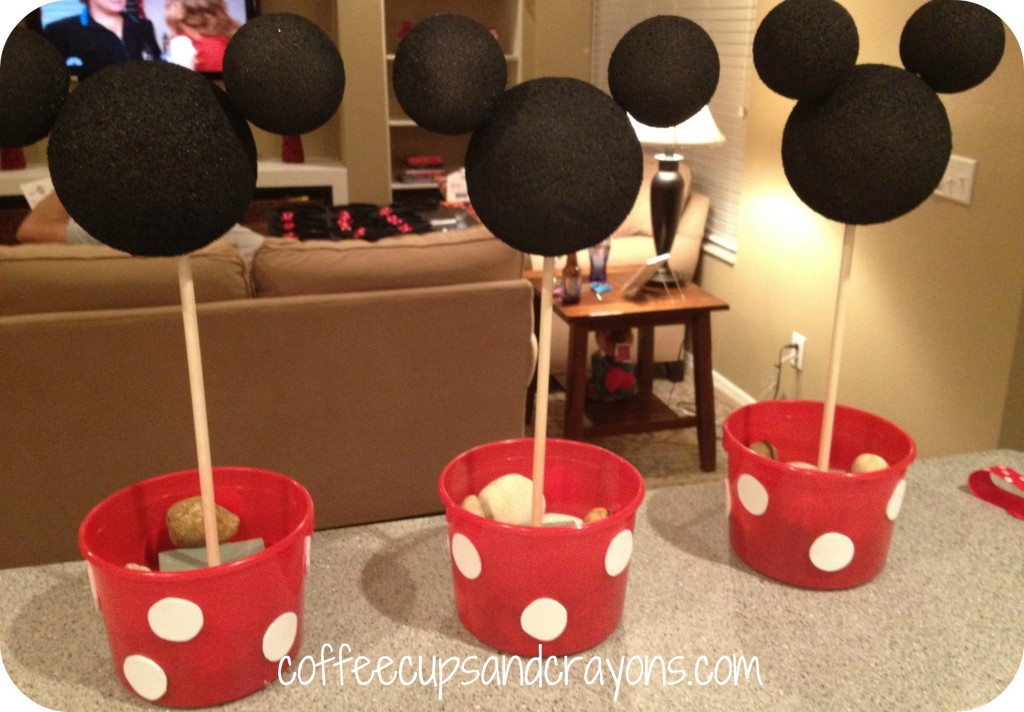 How to make easy minnie mouse centerpieces for Deco mickey