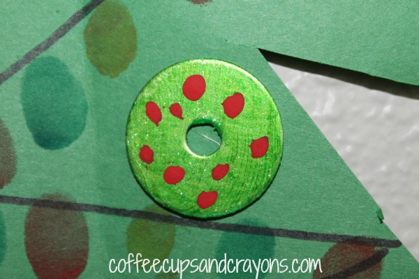 Make a Christmas Wreath Ornament out of a Washer
