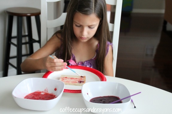 Paint toast with fruit paint for a super healthy and FUN kids snack!
