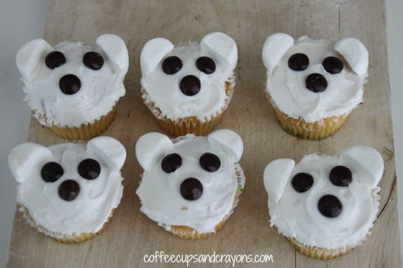 Super easy polar bear cupcakes!