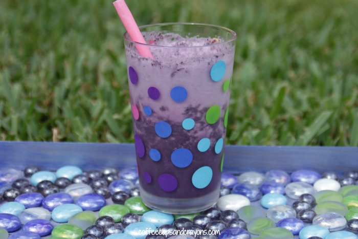 Healthy Smoothie Recipe with Kale and Blueberries