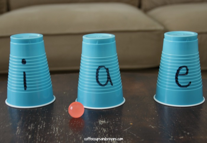 Phonics Practice Game for Preschool and Kindergarten Kids! Learn those tricky vowel sounds!