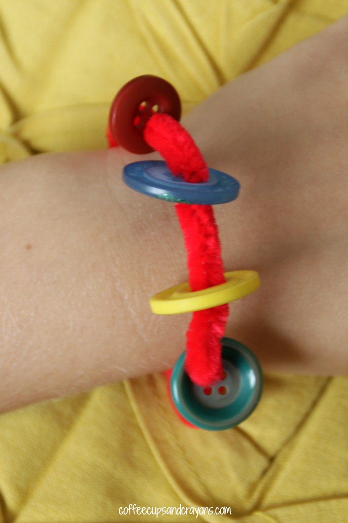 Make a Groovy Button Bracelet to go with Pete the Cat and His Four Groovy Buttons!