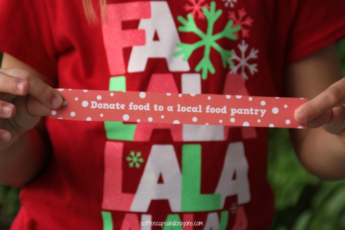 Random Acts of Christmas Kindness Paper Chain Printable for Kids!