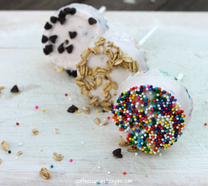 Fun Food for Kids...Frozen Yogurt Lollipops!