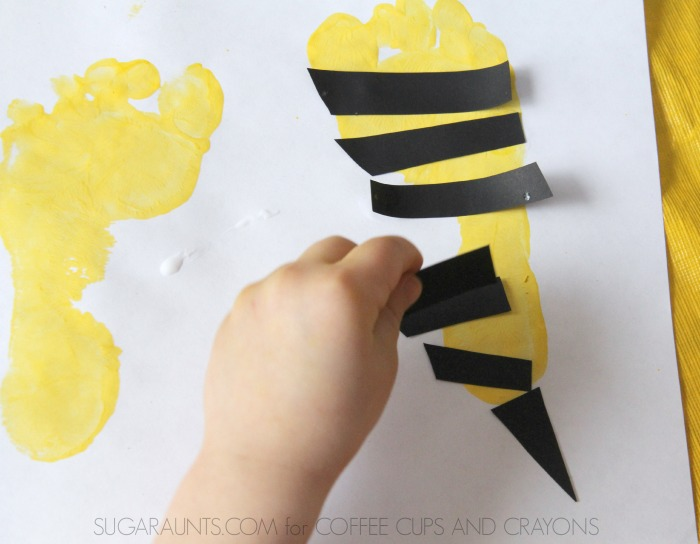 Bee footprint card