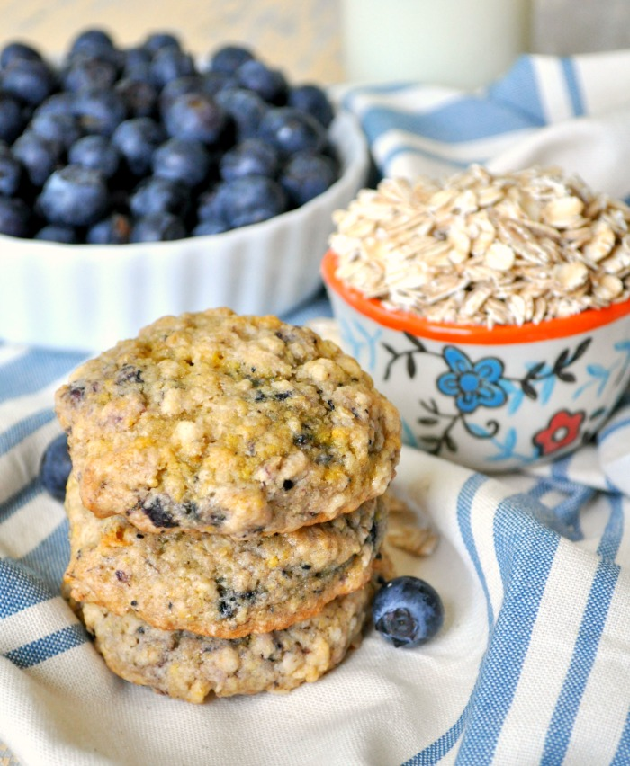 Blueberry-Muffin-Oatmeal-Cookies-8