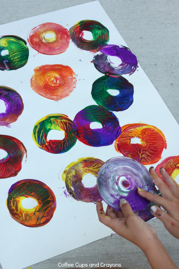 Action Art for Kids! Make paintings with CDs!