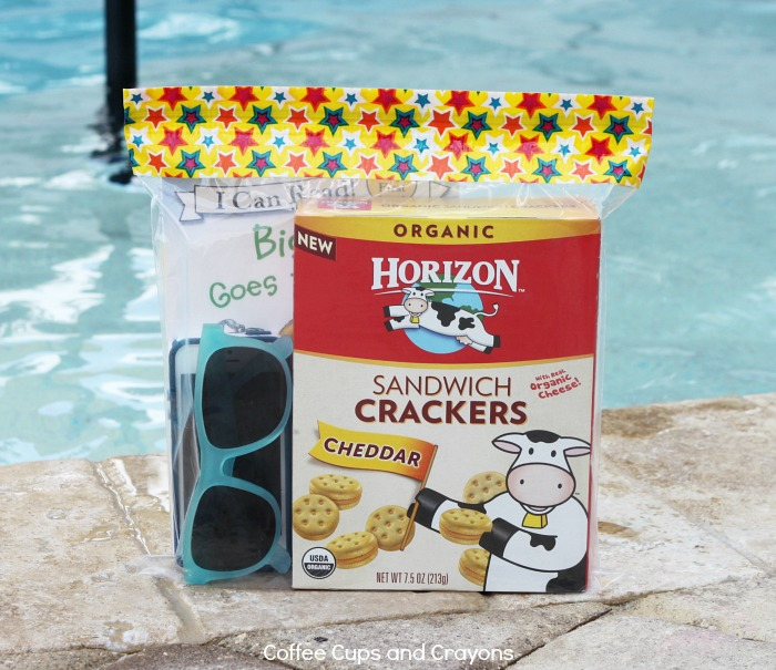 Summer Snack Hack for the Pool! Keep your favorites items dry!