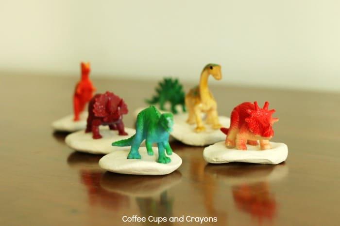 Super cute dinosaur busy bag for kids!