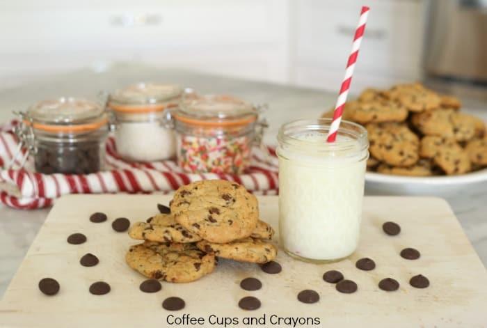 how-yummy-chocolate-chip-pretzel-cookies