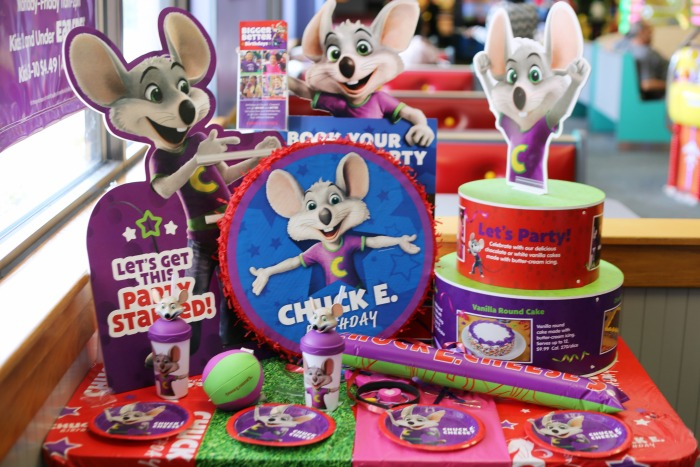Super Easy Chuck E Cheeses Birthday Party Coffee Cups And Crayons